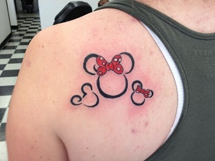 Tatuaje cu Mickey si Minnie