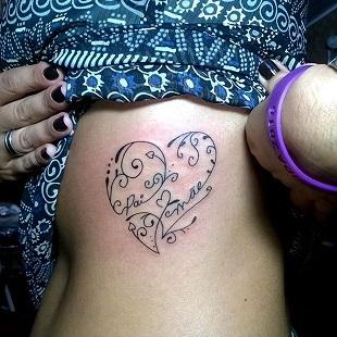 Inima stilizata, cu numele copilului