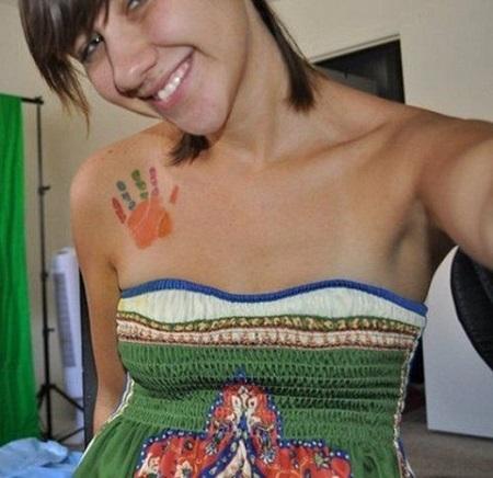 Tatuaj pentru mame cu palmuta de copil