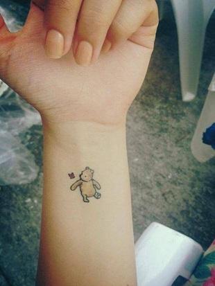 Tatuaj cu Winnie Pooh