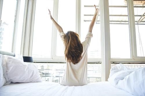 Este bine sa te trezesti dimineata cu o ora mai devreme
