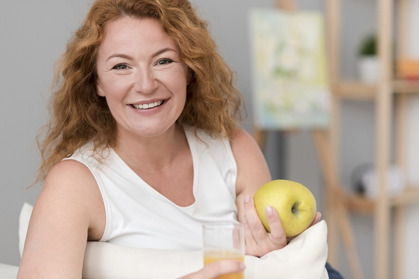 Sucul de mere e este permis in timpul alaptarii, dar nu in cantitati mari