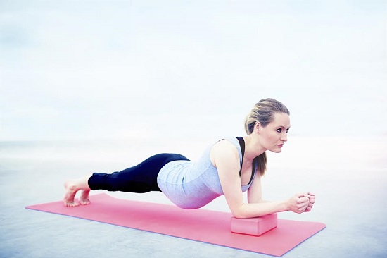 Exercitiile cu abdomenul in jos trebuie evitate in timpul sarcinii