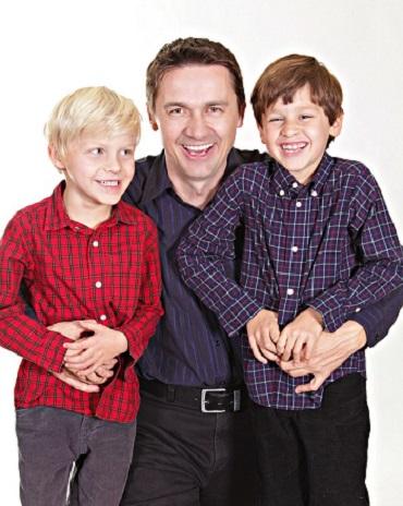 Trasaturile faciale ale baietilor pot fi mostenitenire genetica de la tata