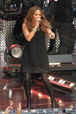 Jennifer Lopez si-a ascuns sarcina timp de 5 luni