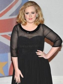 Adele si-a ascuns sarcina timp de 7 luni