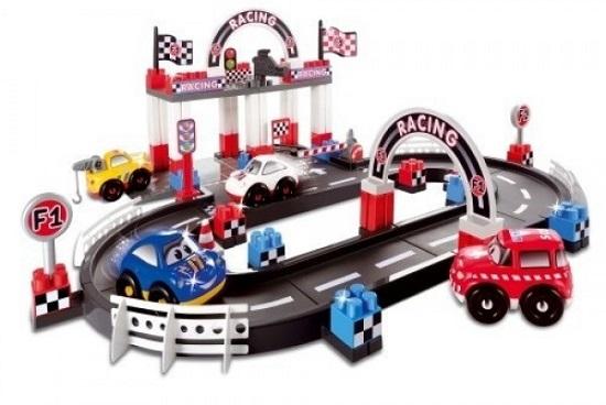 Set pentru curse de masini