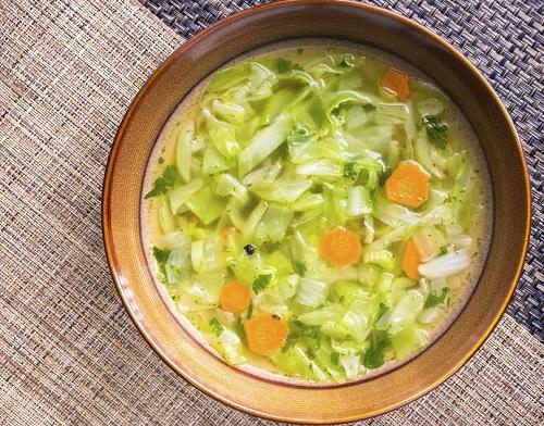 Castron cu supa de varza