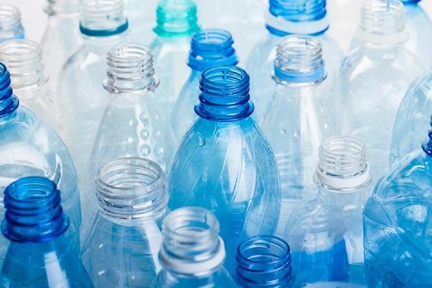 pericolele reutilizarii plasticului