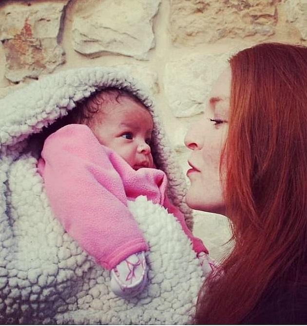 actrita GOT bebelus luat de serviciile sociale
