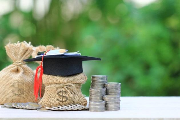 elevii cu nota 10 la examenele nationale vor fi recompensati
