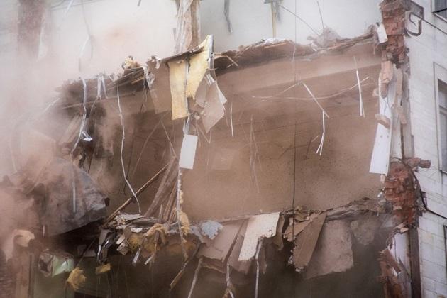 6 copii omorati de un zid cazut peste ei