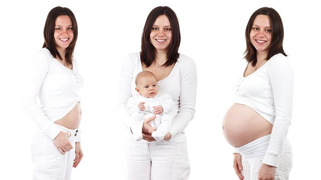 femeie insarcinata si cu copil