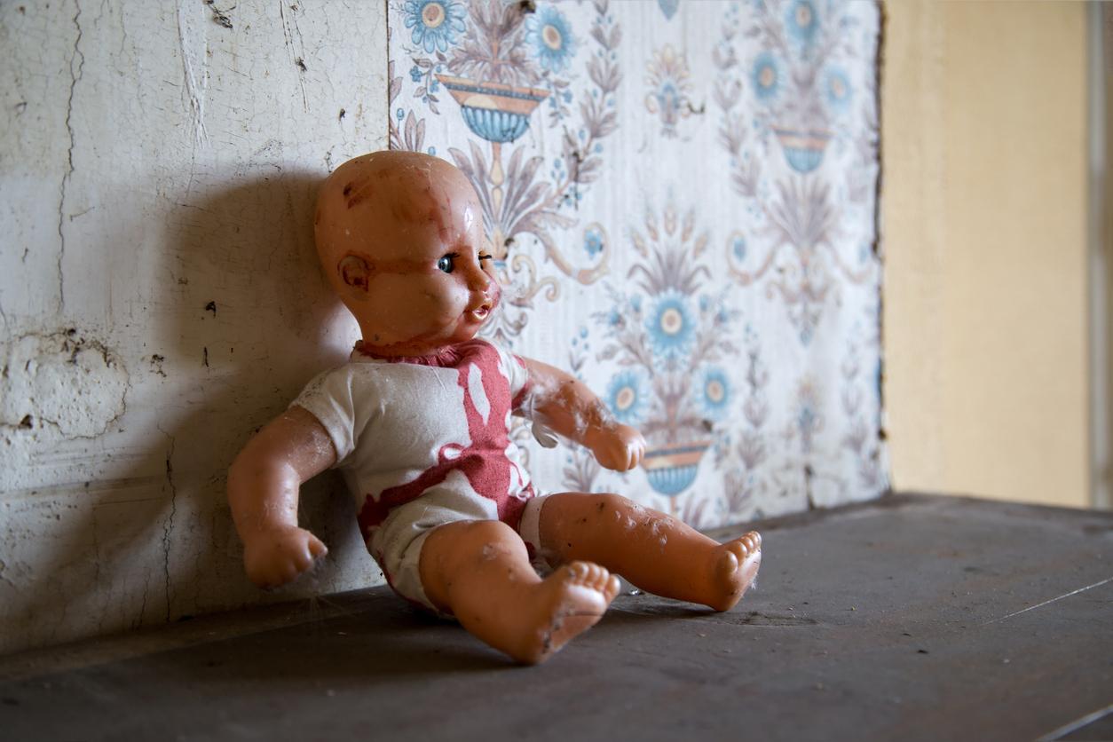 bebelus decedat