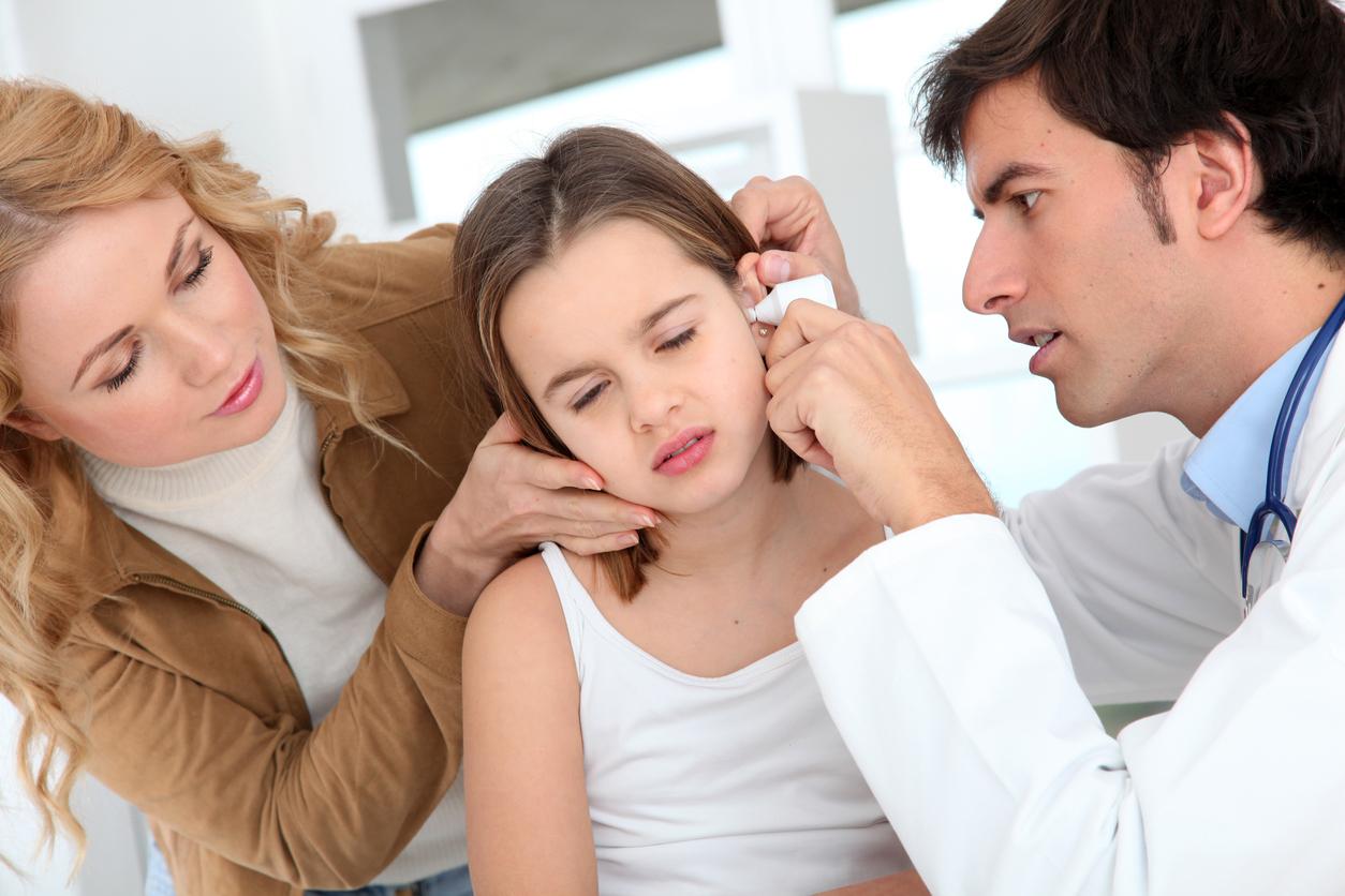 infectie la ureche