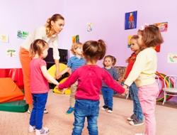 educator si copii