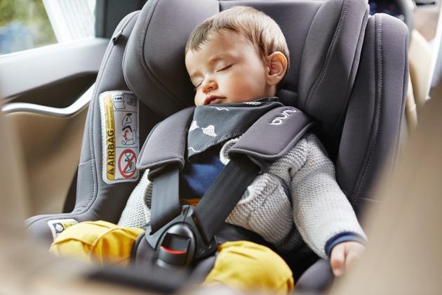 copil in scaun auto
