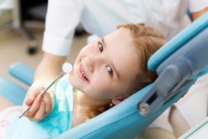 medic dentist pentru copii