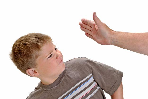 de ce nu ar trebui sa-ti palmuiesti copilul
