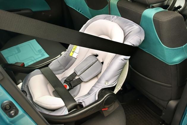 scoici auto pentru bebelusi