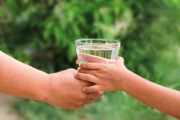 copilul nu bea suficienta apa