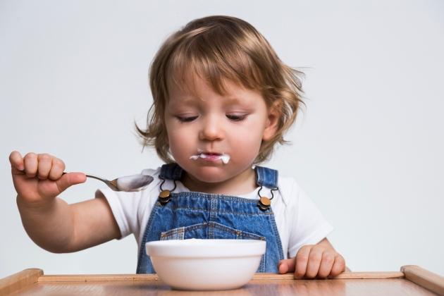 iaurtul in alimentatia bebelusilor si a copiilor