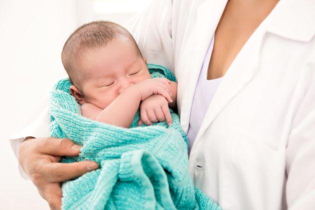 prima zi acasa a bebelusului