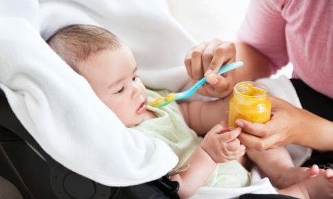 diversificarea alimentara la bebelusi