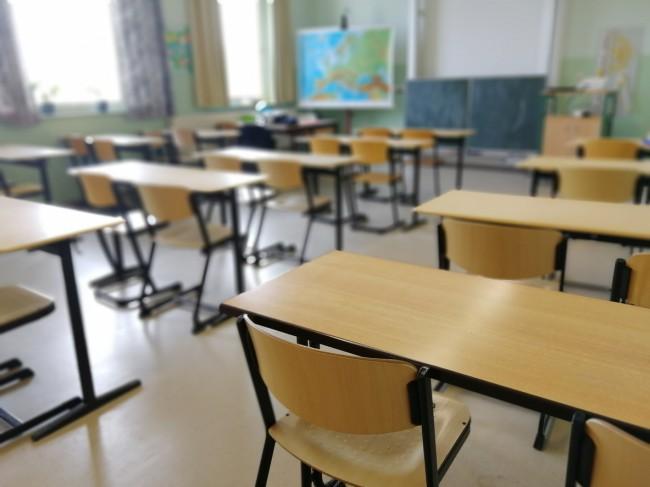 Cate scoli au trecut la scenariul rosu