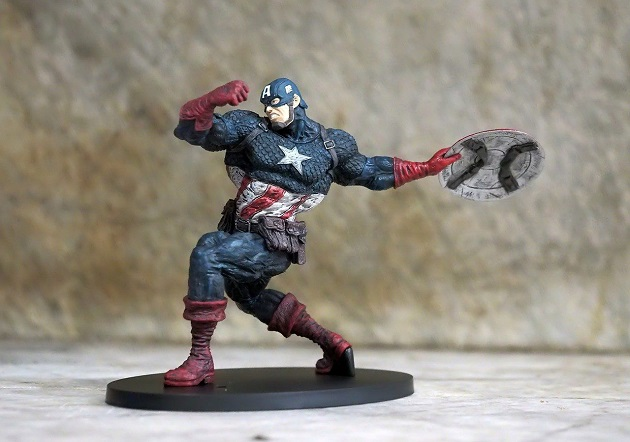 figurina Marvel
