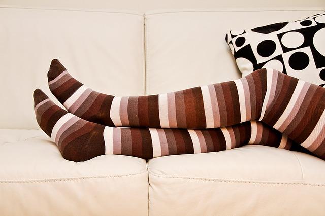 Ciorapi compresivi anti-varice pentru calatorie pana la genunchi