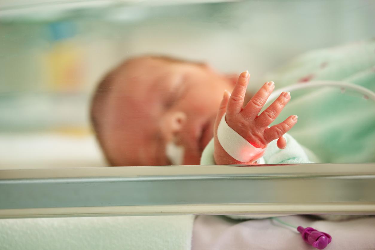 bebelus la terapie intensiva in spital