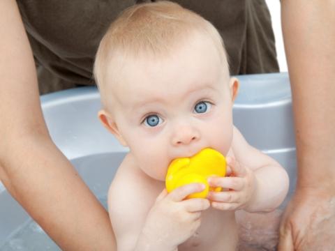 Bebe in baie