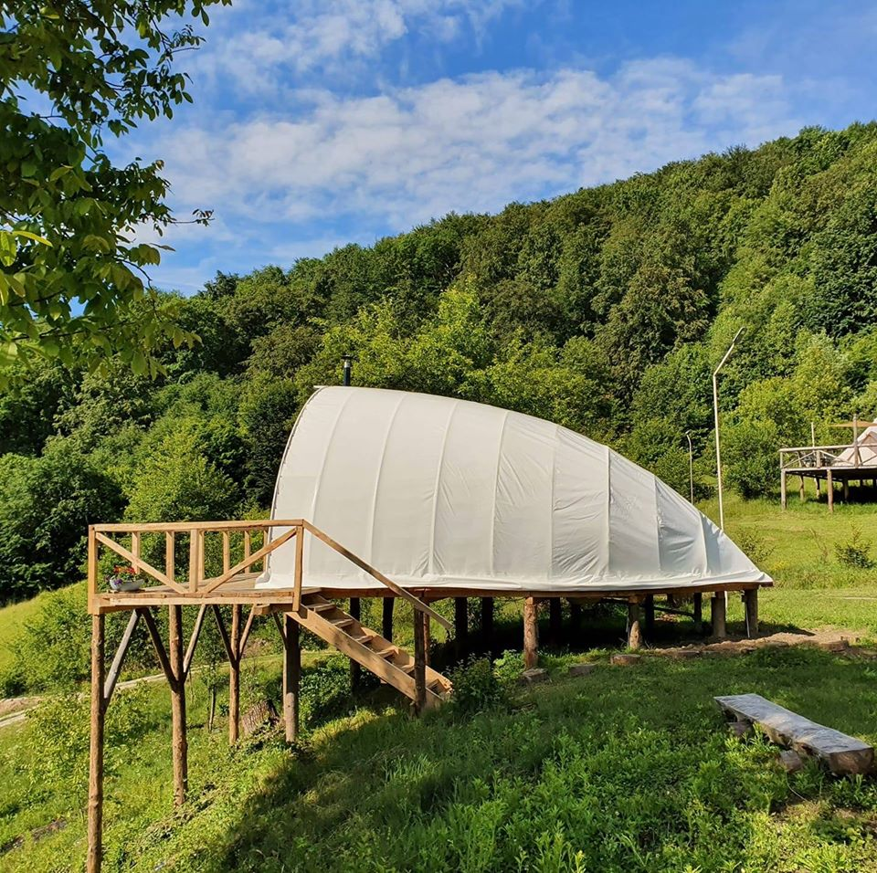 destinatii-izolate-romania-sunrise-glamping