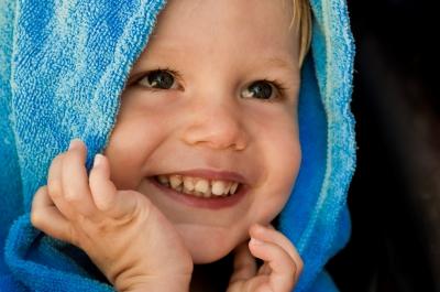 Poza copil fericit si frumos