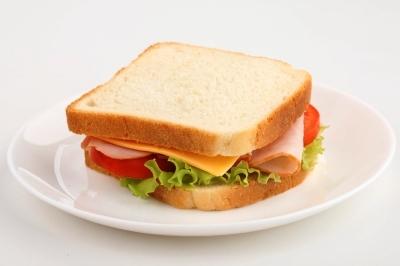 Poza cu sandwich mic dejun