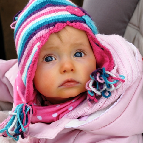 poza copil mic minunat adorabil ochi albastri