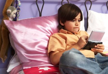 poza copilul si tehnologia