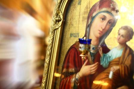 poza Sfanta Fecioara Maria, mama si copilul