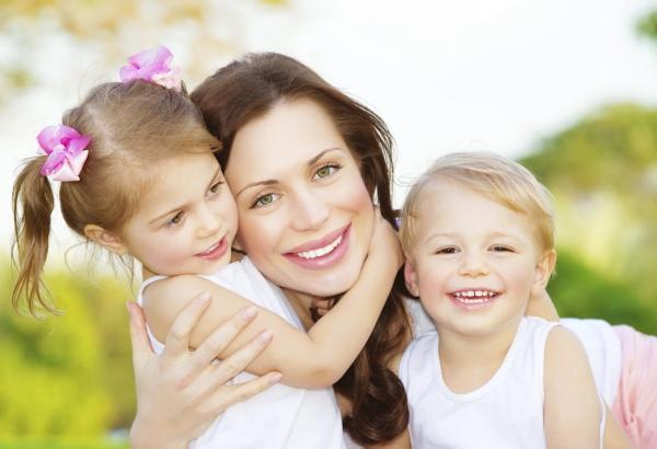 poza mama si copiii