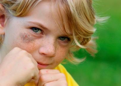 poza copil agresiv