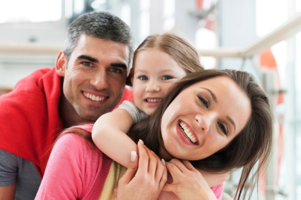 poză educaţia părinţilor: Copilul în mijlocul familiei