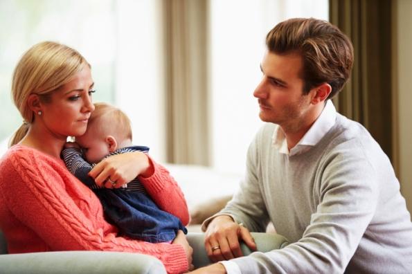 poză mama tata şi copilul situatie tensionata