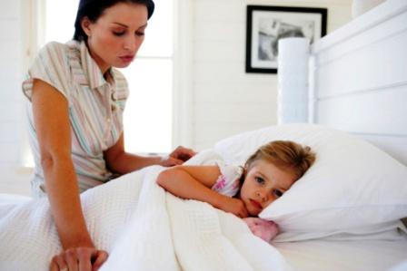 poza mama si copilul la culcare