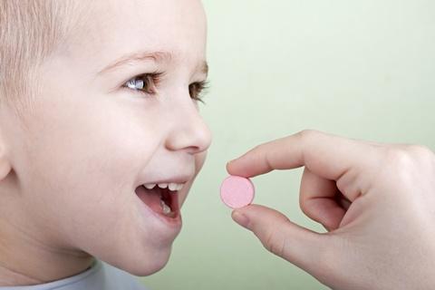 copil care ia antibiotice