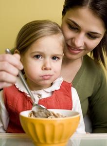 copil cu o alimentatie sanatoasa