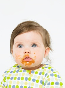 bebelus cu alimentatie diversificata