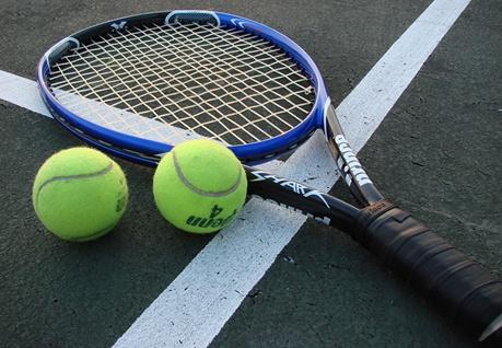 poza cu rachete de tenis