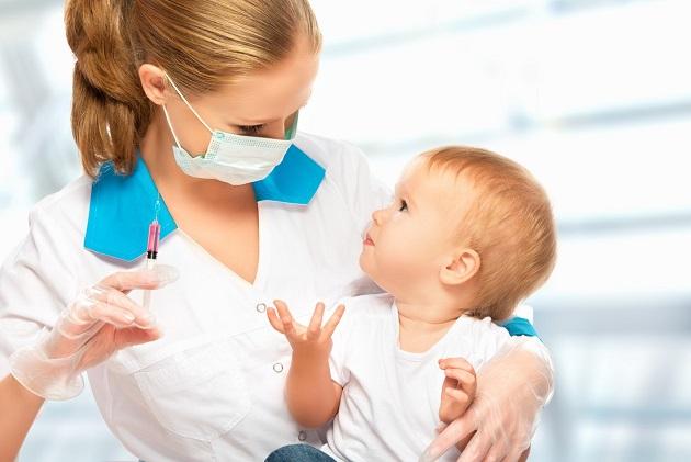 vaccinare bebelus